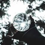 Perception through a sphere. By Emmanuel Holvecklafay.