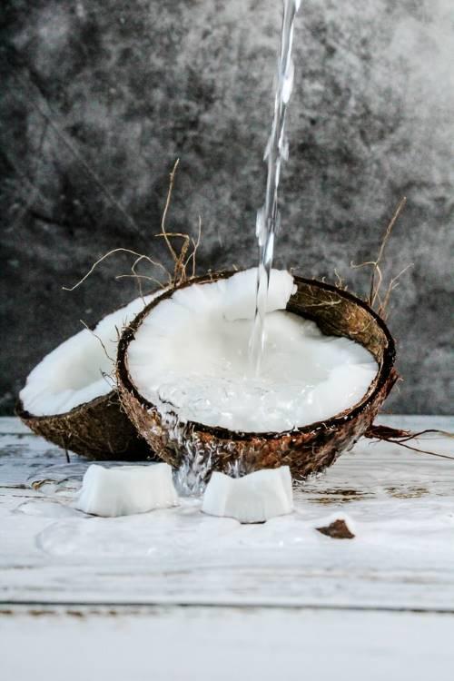 Coconut splash. Photo by Tijana Drndaski.